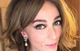 """Simpatica Leyla din """"Dragoste infinită"""" sucește mințile bărbaților în serialul-fenomen, însă în viața reală actrița trăiește o adevărată dramă. Anunțul trist despre care scriu toate ziarele din Turcia"""