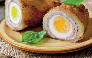 ouă îmbrăcate în șuncă