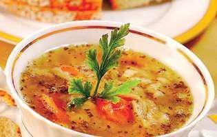 supă poloneză cu burtă și carne tocată