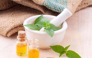 5 uleiuri esențiale de care vei avea nevoie vara aceasta