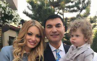 Valentina Pelinel, imagine adorabilă alături de gemene și fiul ei! Prima fotografie cu micuțele
