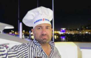 """Poză de colecție! Chef Scărlătescu a ajuns mai slab decât chef Florin Dumitrescu. Imaginea care a isterizat Facebook-ul: """"Felicitari Scărlătescu,unde-i burta?Ai împărțit-o colegilor?"""""""