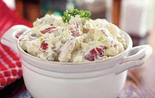 salată de cartofi cu maioneză