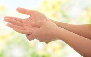 amorțește mâna