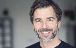 Andropauza: ce schimbări aduce scăderea testosteronului în viața bărbaților