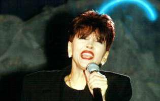Marea artistă Dida Drăgan a împlinit vârsta de 71 de ani. Cum arăta în tinerețe frumoasa cântăreața