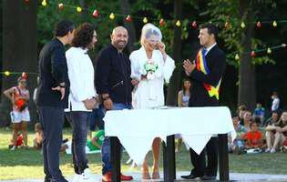 Gina Pistol s-a ținut de promisiunea. Blonda și chef Scărlătescu au mers în fața altarului