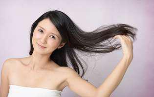 cum oprești albirea prematură a părului prin metode naturale