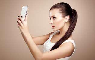 femeie aplicatie seflie smartphone