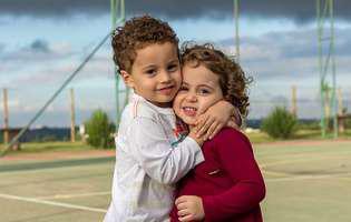 Cum îți înveți copilul să arate compasiune celorlalți