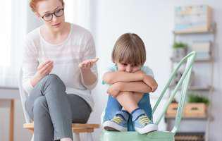 Cum pot fi depășite problemele de comunicare la copiii cu autism