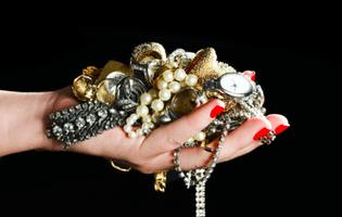 Cat de eficient este sa oferi bijuterii cadou?