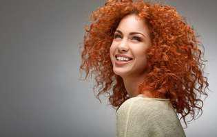 Ai părul creț? Iată 4 trucuri simple ca să-l îngrijești corect