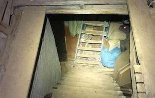 Românca a fost ținută 10 ani într-un subsol insalubru și abuzată