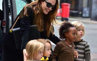 Copiii Angelinei Jolie și ai lui Brad Pitt au inimile frânte. Vor avea parte de cel mai trist Crăciun. Decizia plină de cruzime a actriței i-a întristat profund