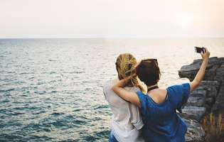 Cele 5 tipuri de prietene de care toate mamele au nevoie