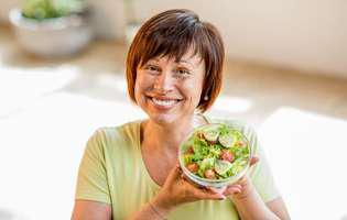 Alimente care previn Alzheimerul: varza Kale și alte legume cu frunze verzi