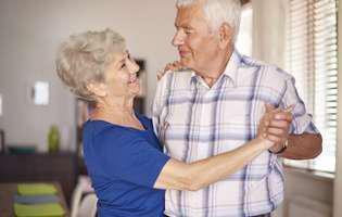 Cele mai bune exerciții fizice pentru persoane în vârstă: dansul