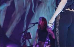 Shakira revenit