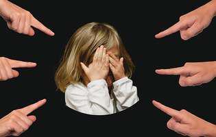 6 tipuri de abuz emoțional la care apelează părinții narcisiști