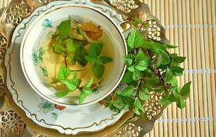 Ceaiul de mentă și 9 beneficii uimitoare pe care le are acest ceai