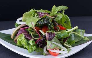 Dieta la care nu trebuie să numeri caloriile și nici porțiile. Cum funcționează