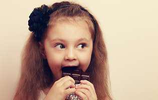 bomboane sau ciocolată ce ii dai copilului