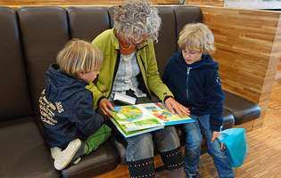 Copilului tău nu-i place să citească? Sfaturi utile să-l faci să iubească cărțile