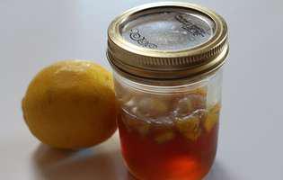 8 beneficii ale consumului de miere cu lămâie
