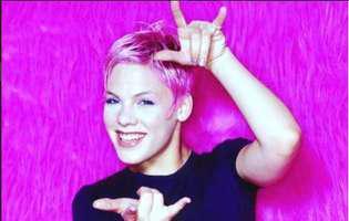 Pink a fost desemnata cea mai frumoasa