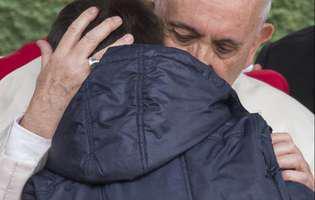 Cine este românul care ia prânzul cu Papa Francisc la Vatican, în fiecare miecuri și duminică