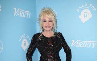 Dolly Parton peruca