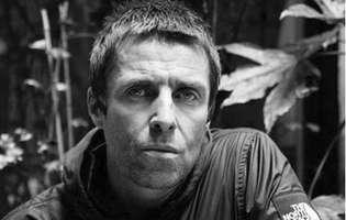 Solistul trupei Oasis, Liam Gallagher, și-a întâlnit pentru prima oară fiica în 19 ani. N-a mai văzut-o de la 2 ani. Mai are una pe care nici nu a cunoscut-o
