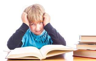 Nu vrea să învețe pentru examen. Copilul nu vrea să citească