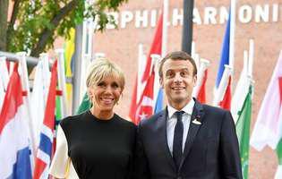 """Emmanuel Macron, gelos pe soția lui: """"Se teme că cineva ar putea să i-o fure"""""""