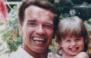 Ce fiică superbă are Arnold Schwarzenegger! Este iubita unui actor celebru de la Hollywood