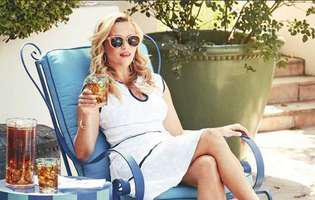 Pare o fetișcană, dar Reese Witherspoon e mama a trei copii. Unul tocmai a terminat liceul | GALERIE FOTO