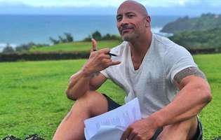 """Adorabil! Dwayne """"The Rock"""" Johnson e un bărbat adevărat. Nu e doar plin de mușchi, ci are o inimă pe măsură. Ce gesturi face față de iubita lui"""