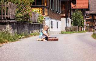 Vacanța la țară, la bunici. Păreri pro și contra