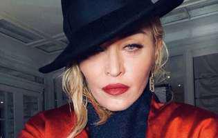Madonna este îndrăgostită lulea de iubitul ei, în vârstă de doar 26 de ani. Prietenii artistei sunt foarte îngrijorați
