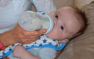 Laptele de vacă în dieta copilului. Când și cum îl introduci în alimentație