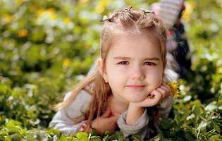 7 sfaturi utile înainte de a-i pune cercei copilului