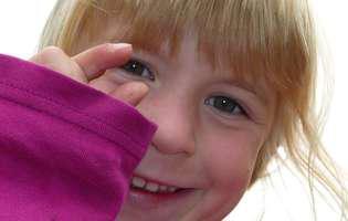 Cum dezveți copilul de rosul unghiilor. Onicofagia este un viciu sau o boală?