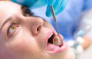 Etapele în dezvoltarea unei carii dentare și cât timp poți amâna tratarea ei. Femeie la dentist