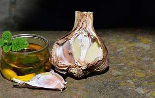 5 moduri simple de a păstra usturoiul aromat tot timpul anului