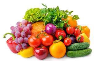 6 superalimente pe care să le consumi toamna. Fructe și legume de toamnă pe fundal alb