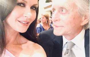 Cum s-au cunoscut Michael Douglas si Catherine Zeta Jones