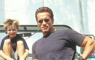 Patrick si Arnold Schwarzenegger cu ani in urma