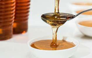 Cum slăbești cu mierea naturală - 6 beneficii pe care le are mierea pentru pierderea în greutate