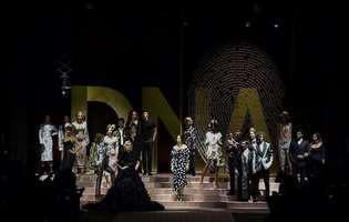 Monica Bellucci si Carla Bruni Sarkozy au defilat la Saptamana Modei de la Milano